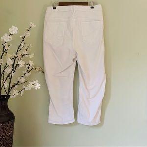 Lane Bryant Jeans - Lane Bryant Genius Fit Crop Jean Size 28